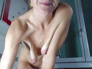 bi sexual cumshot