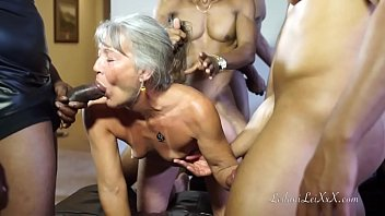 mom and daughter anal amateur